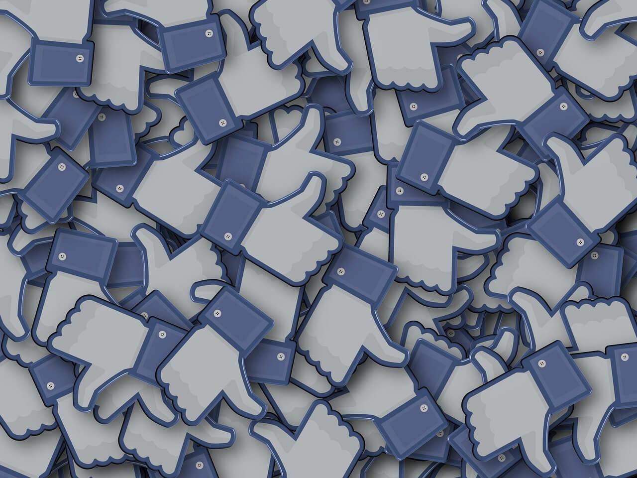 Negatywne opinie na Facebooku – jak się ich pozbyć?