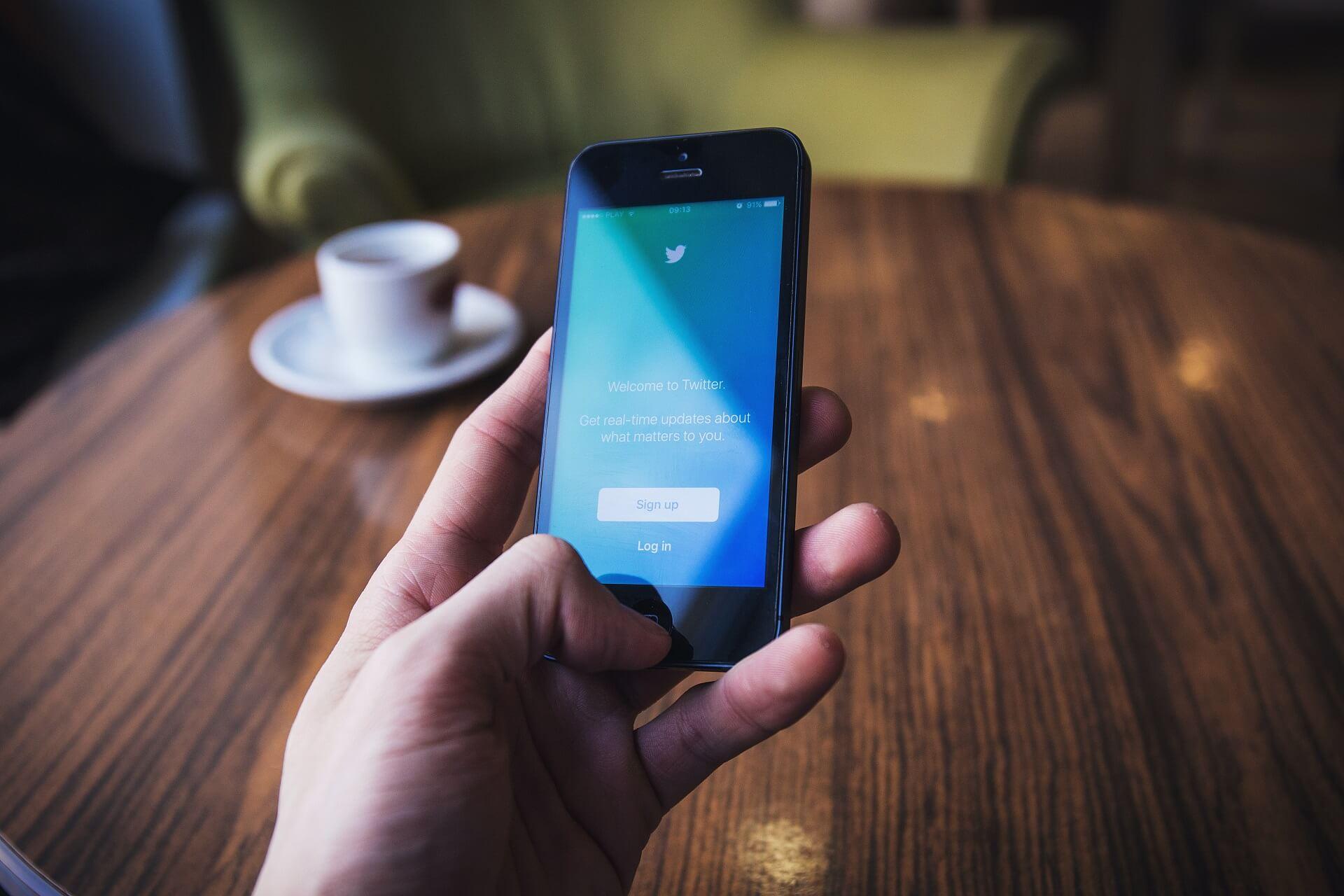 Jak zdobyć obserwatorów na Twitterze? Sprawdzone sposoby od Lajki.io!