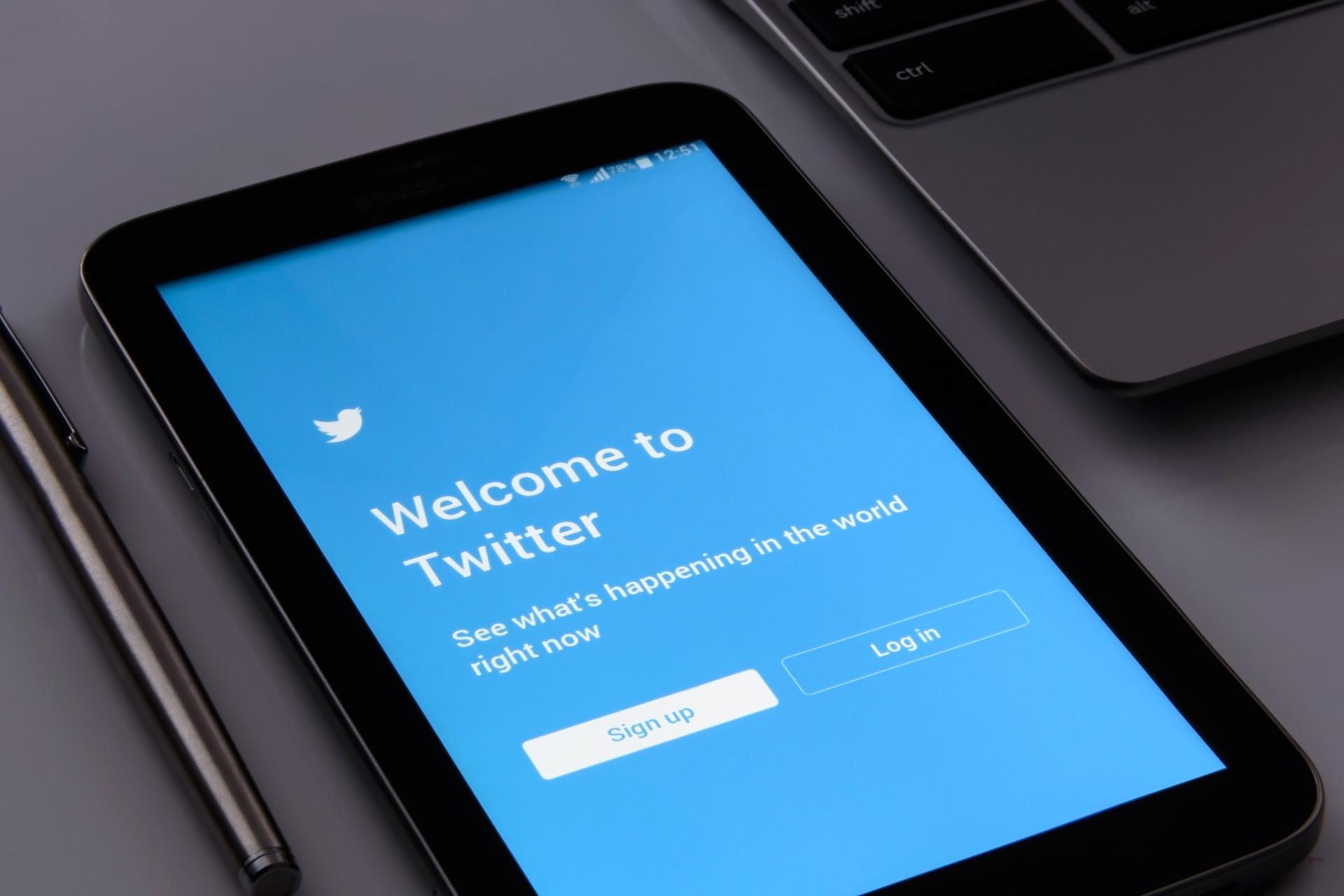 Nowy, większy obraz na osi czasu na Twitterze